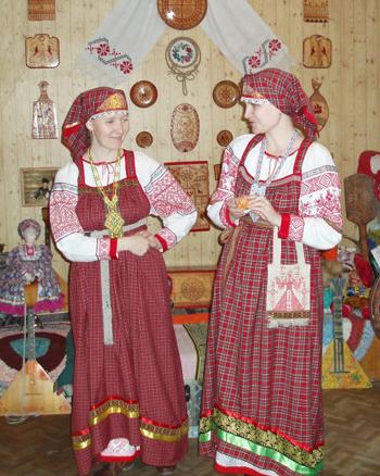 Русские народные костюмы.Косоворотки, сарафаны, картузы и.